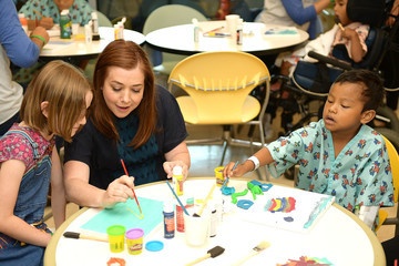 Alyson Hannigan Satyana Marie Denisof Alyson Hannigan and Daughter, Satyana, Bring Smiles to Sick Kids with Starlight Children's Foundation at LAC+USC Medical Center