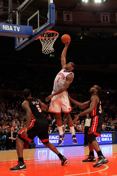 amare stoudemire knicks dunk. Amare+stoudemire+knicks+vs