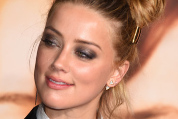 Amber Heard Premiere of Focus Features' 'The Danish Girl' - Arrivals