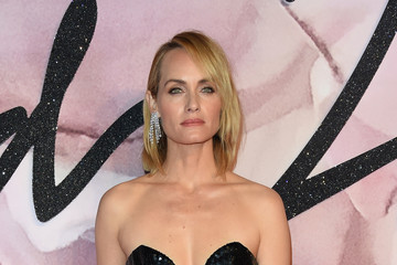 Amber Valletta The Fashion Awards 2016 - Red Carpet Arrivals