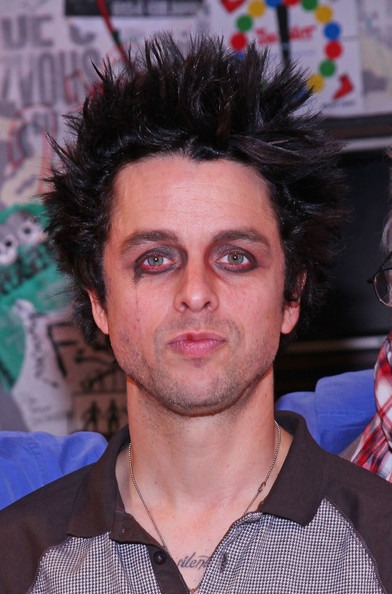 Billie Joe Armstrong Refuses to Pull Up His Pants