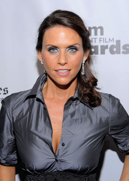 amy landecker louie