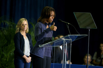 Amy Poehler Michelle Obama Visits Miami Parks