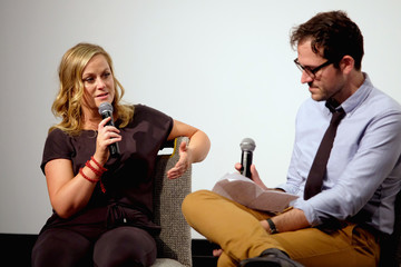 Amy Poehler Vulture + Hulu's Screening Of 'Difficult People'