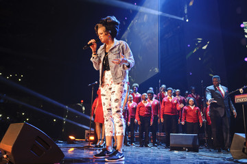 Andra Day Shay Mitchell Hosts WE Day Illinois to Celebrate Young People Changing the World