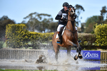 Andrew Cooper Saddleworld Melbourne International: Cross Country