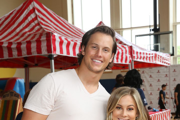 Andrew East Vera Bradley Partners With Blessings In A Backpack To Kick-Off Back-To-School Philanthropy Tour With Shawn Johnson