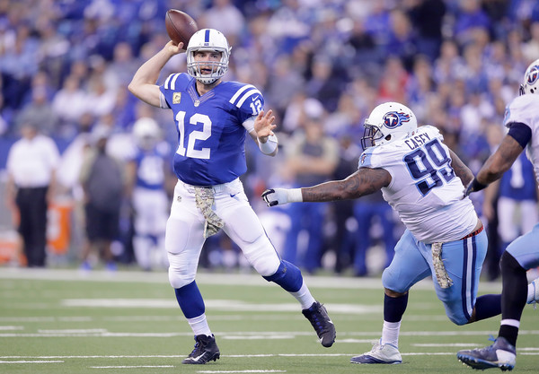 http://www2.pictures.zimbio.com/gi/Andrew+Luck+Tennessee+Titans+v+Indianapolis+pNL8GUzV9tql.jpg