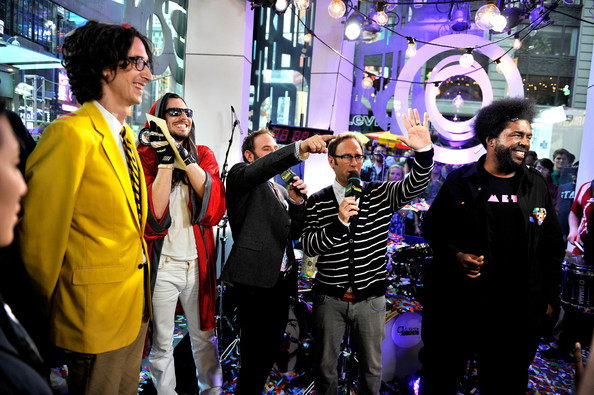Musicians Perform at the O Music Awards [yellow,event,purple,fun,costume,crowd,performance,photography,party,city,jason sklar,randy sklar,questlove,andrew w.k,o music awards,logo,vh1,new york,mtv,cmt]
