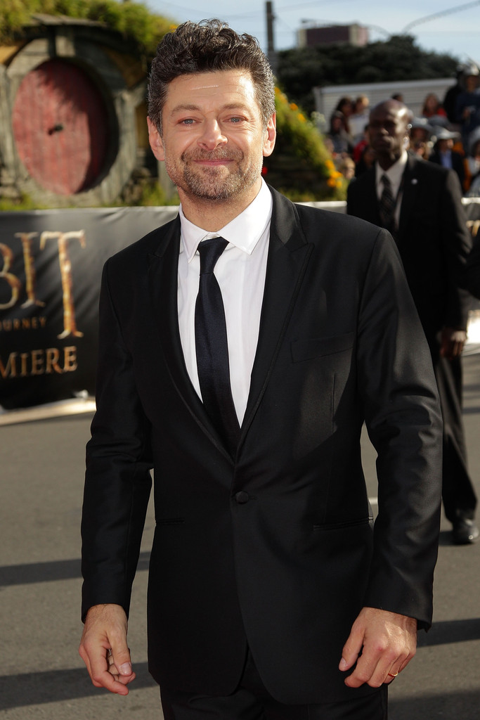 http://www2.pictures.zimbio.com/gi/Andy+Serkis+Hobbit+Unexpected+Journey+World+gb5bM-0gSUkx.jpg
