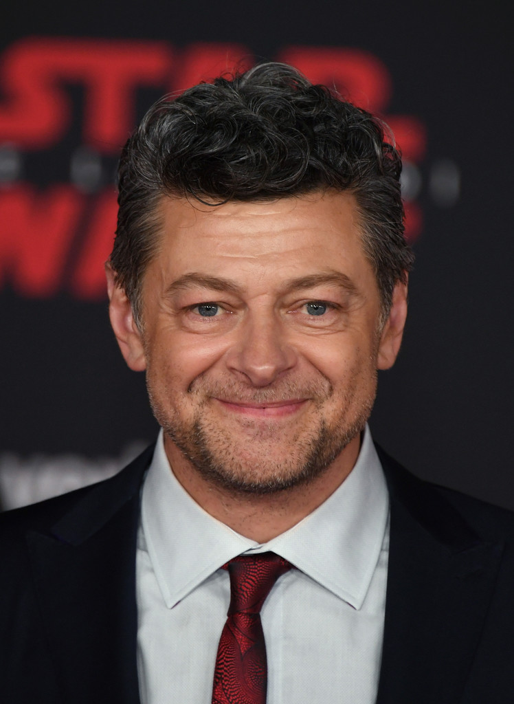 http://www2.pictures.zimbio.com/gi/Andy+Serkis+Premiere+Disney+Pictures+Lucasfilm+5vurbxXvaofx.jpg