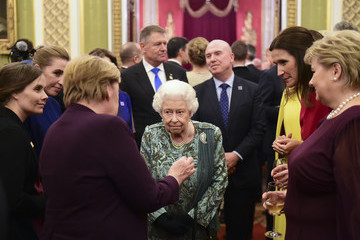 Angela Merkel HM The Queen Hosts NATO Leaders At Buckingham Palace Banquet