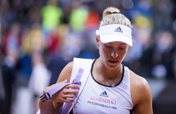 Struggling Angelique Kerber Continues To Seek Answers On The Court