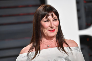 Anjelica Huston 2017 Vanity Fair Oscar Party Hosted By Graydon Carter - Arrivals
