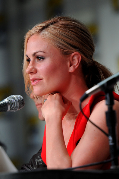 """HBO's """"True Blood"""" Panel - Comic-Con 2011 [true blood,hair,beauty,lady,hairstyle,chin,lip,blond,photography,long hair,ear,anna paquin,san diego,california,san diego convention center,hbo,panel,true blood panel,comic-con,comic-con 2011]"""