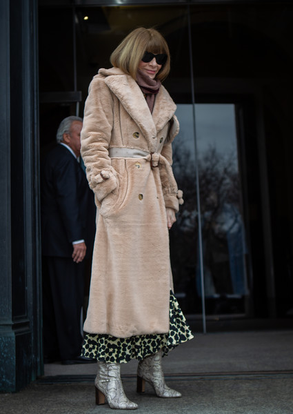 Anna Wintour Photos Photos - Street Style - New York Fashion