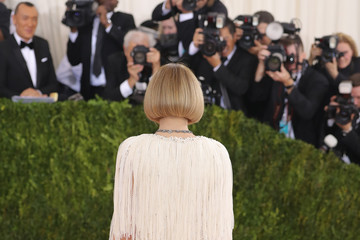 "Anna Wintour ""Manus x Machina: Fashion In An Age Of Technology"" Costume Institute Gala"
