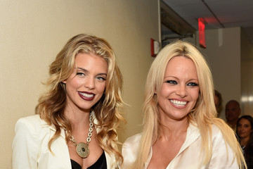 AnnaLynne McCord Annual Charity Day Hosted By Cantor Fitzgerald and BGC - BGC Office - Inside
