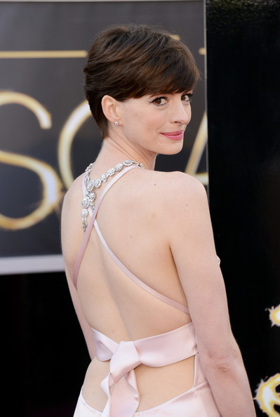 Anne Hathaway Actress Anne Hathaway arrives at the Oscars at Hollywood & Highland Center on February 24, 2013 in Hollywood, California.