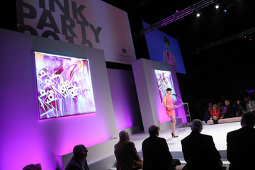 Anne Hathaway FIJI Water At The 9th Annual Pink Party Benefiting The Cedars-Sinai Women's Cancer Program