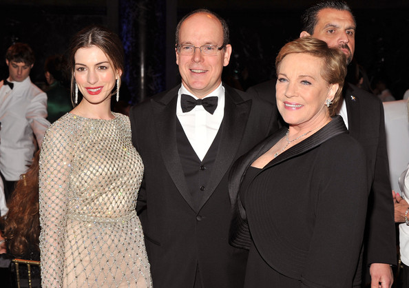 Anne Hathaway and Juli... Julie Andrews And Anne Hathaway