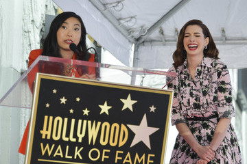 Anne Hathaway Anne Hathaway Honored With Star On The Hollywood Walk Of Fame