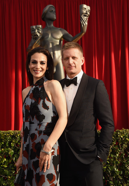 Paul Sparks and Annie Parisse at red carpet of the 22nd Annual Screen Actors Guild Awards