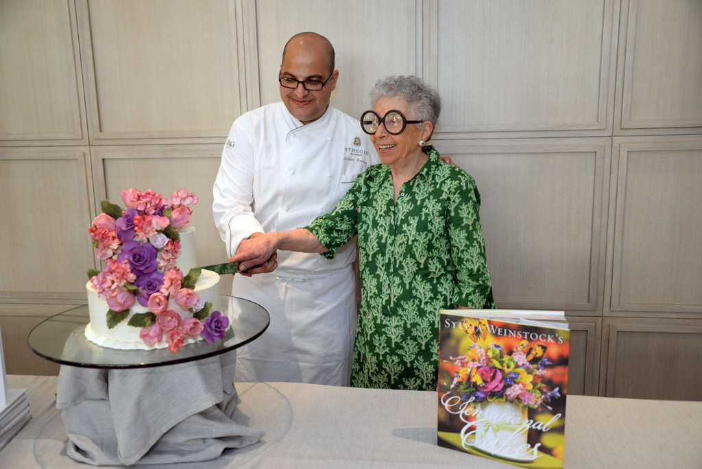Cake Decorating Shows On Food Network : Sylvia Weinstock Pictures - The Art Of Cake-Decorating: A ...
