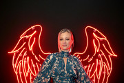 Amy Smart attends The Art Of Elysium Presents WE ARE HEAR'S HEAVEN 2020 at Hollywood Palladium on January 04, 2020 in Los Angeles, California.