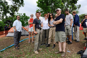 Sean Penn Paul Haggis Artists For Peace And Justice Look At Building Schools In Haiti