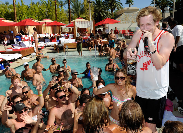 circus map las vegas with Asher Roth on Southpointcasino likewise Atlantis Casino Resort Spa likewise Fedex forum together with Hotel Circus Circus furthermore Pool.
