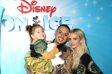 Ashlee Simpson Jagger Ross Disney On Ice Presents 'Dare To Dream' Celebrity Skating Party