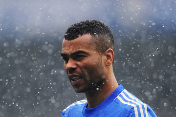 [Image: Ashley+Cole+R8LNIaS2giMm.jpg]