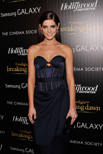 "Ashley Greene - The Cinema Society With The Hollywood Reporter And Samsung Galaxy Host A Screening Of ""The Twilight Saga: Breaking Dawn Part 2"" - Arrivals"