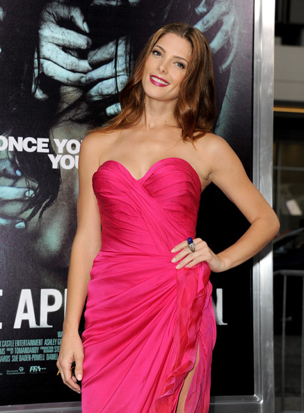 "Ashley Greene - Premiere Of Warner Bros. Pictures ""The Apparition"" - Red Carpet"