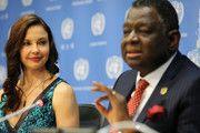 Actress/activist Ashley Judd and UNFP Executive Director Dr. Babatunde Osotimehin attend a press conference held to announce her appointment as The UN Population Fund's (UNFPA) Goodwill Ambassador at United Nations on March 15, 2016 in New York City.