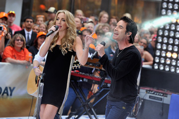 Ashley Monroe Train Performs on the 'Today' Show