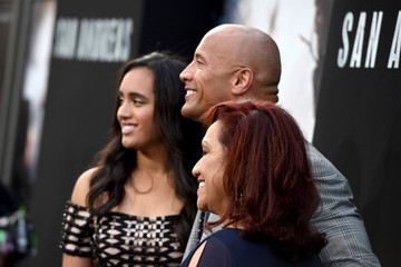 Ata Johnson Premiere Of Warner Bros.' 'San Andreas' - Red Carpet
