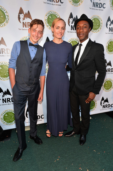'Thought for Food' Benefit in Santa Monica [green,suit,event,formal wear,premiere,tuxedo,award,white-collar worker,dress,carpet,amber valletta,aloe blacc,auden mccaw,thought for food,l-r,eating,ndrc food for thought benefit,santa monica,california,natural resources defense council]