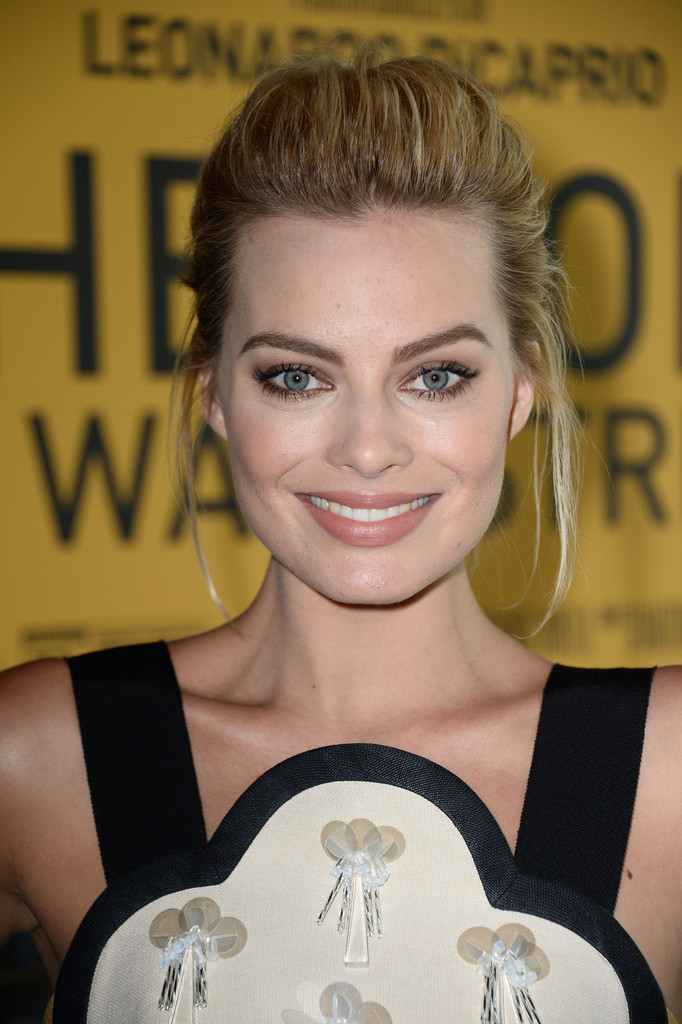 Actress Margot Robbie attends an Australians In Film Screening Of 'The Wolf Of Wall Street' at Landmark Theatre  on January 7, 2014 in Los Angeles, California.