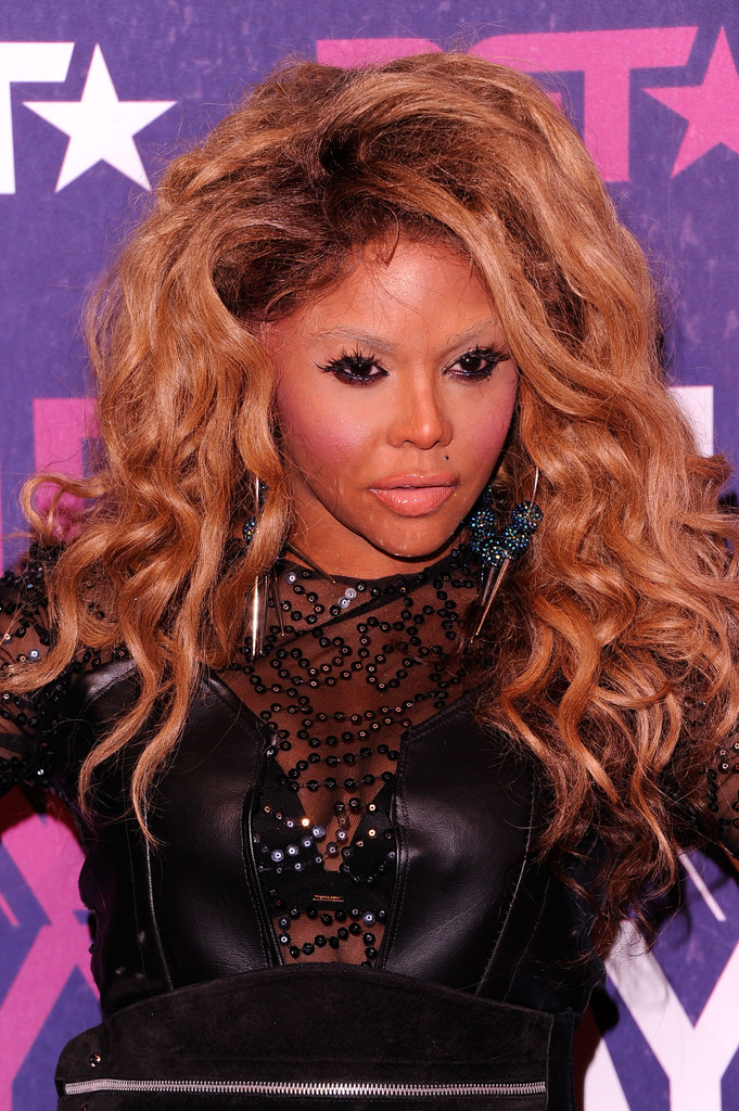 Chronicling Lil Kim S Ever Changing Face Lil Kim Zimbio