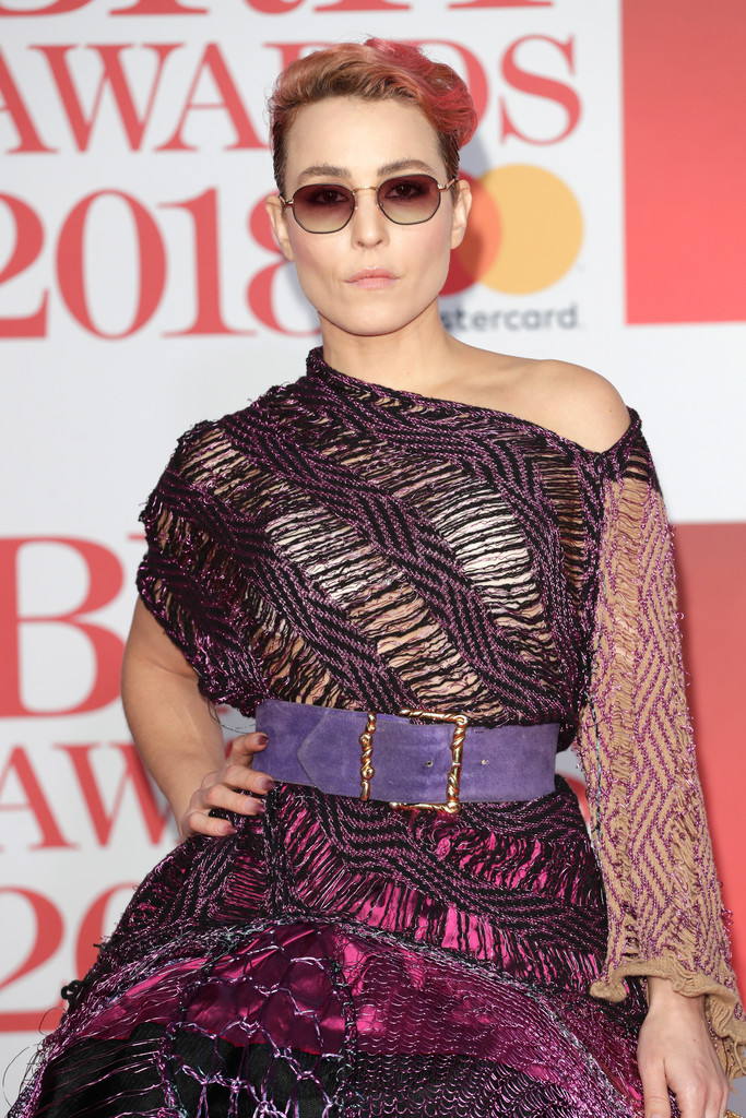 http://www2.pictures.zimbio.com/gi/BRIT+Awards+2018+Red+Carpet+Arrivals+LnFRGBBwc3px.jpg