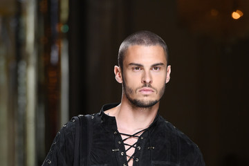 Baptiste Giabiconi Balmain : Runway - Paris Fashion Week - Menswear Spring/Summer 2017