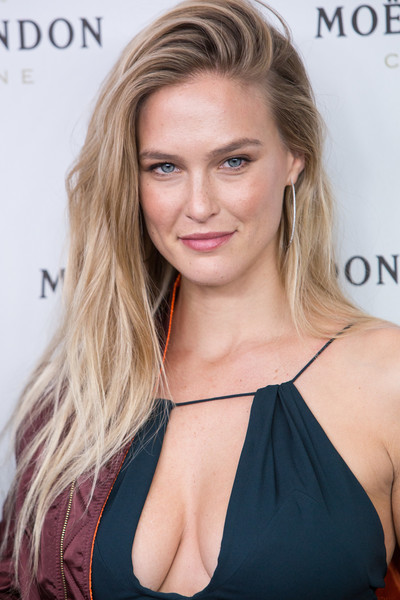 Bar Refaeli Photos Pho... Bar Refaeli