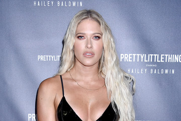 Barbie Blank PrettyLittleThing X Hailey Baldwin - Arrivals