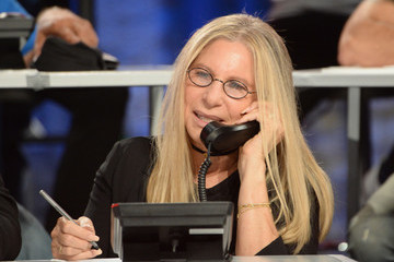 Barbra Streisand Hand in Hand: A Benefit for Hurricane Relief - Los Angeles