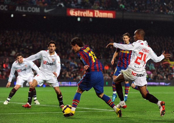 Sevilla fighting against Barcelona in the Copa del Rey