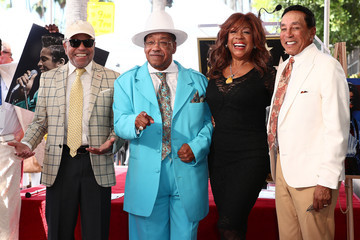 Barry Gordy Jackie Wilson Honored With A Star On The Hollywood Walk Of Fame