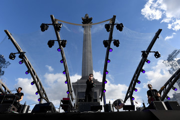 Bastille F1 Live In London Takes Over Trafalgar Square - Live Show