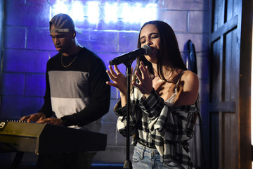 Bea Miller American Eagle Celebrates NYFW With Ne(X)t Level Fall Jeans Party